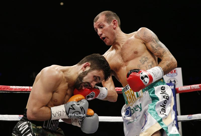 Derry Mathews v Tony Luis