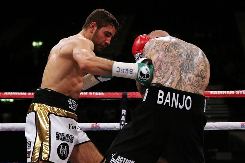Frank Buglioni pastes Lee Markham with a body shot