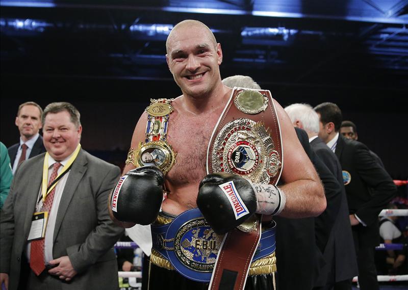 Tyson Fury celebrating