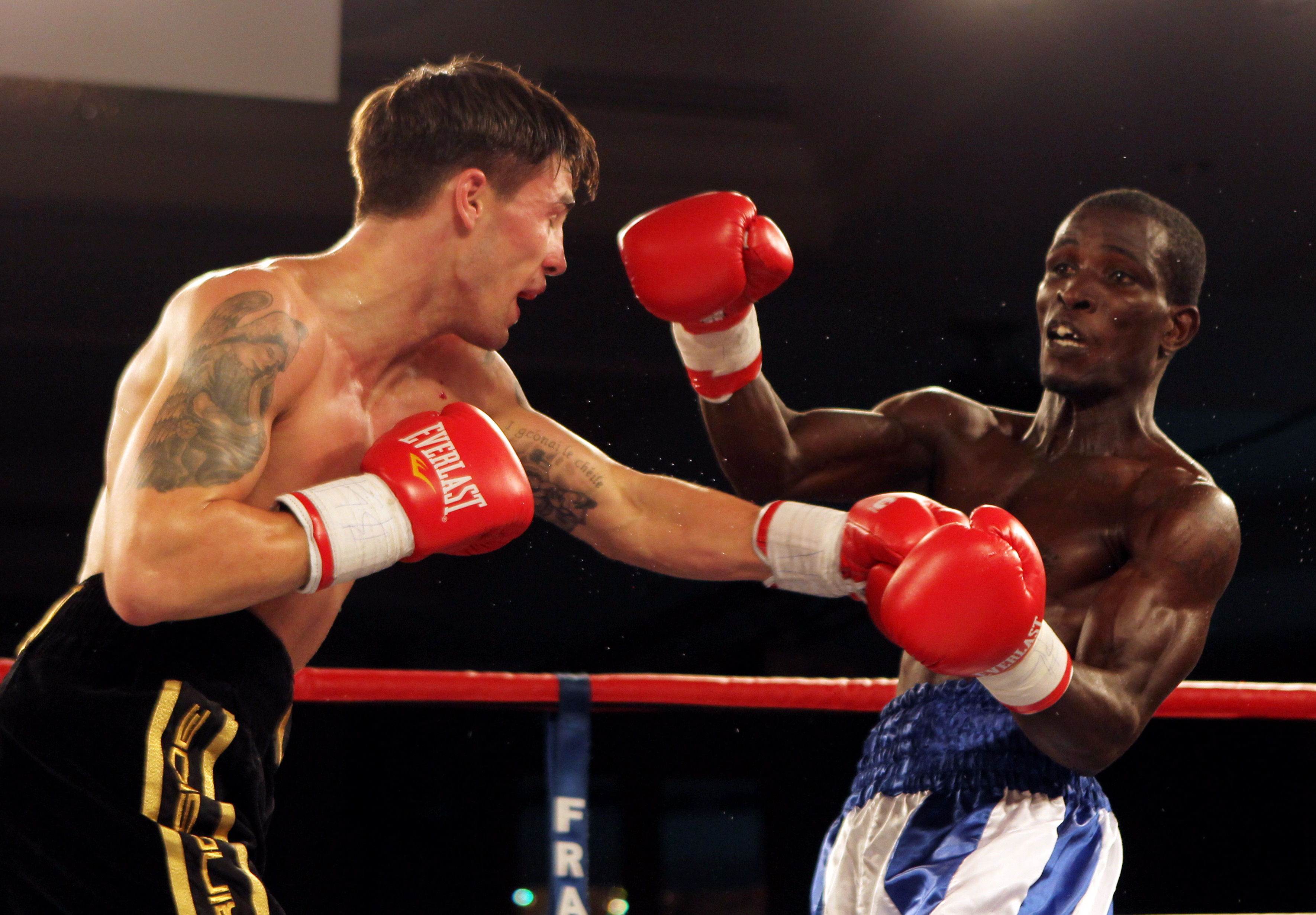 Boxing - Obodai Sai v Jamie Cox - Commonwealth Light-Middleweight Title - Hilton Hotel, Park Lane, London - 9/9/11 Obodai Sai (R) in action against Jamie Cox  Mandatory Credit: Action Images / Paul Childs