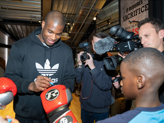 DUBOIS AND RINGSIDE PAIR UP TO GIFT GLOVES TO KIDS FOR CHRISTMAS